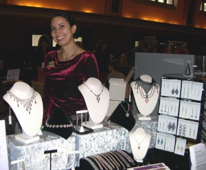 jeweler_and_her_work