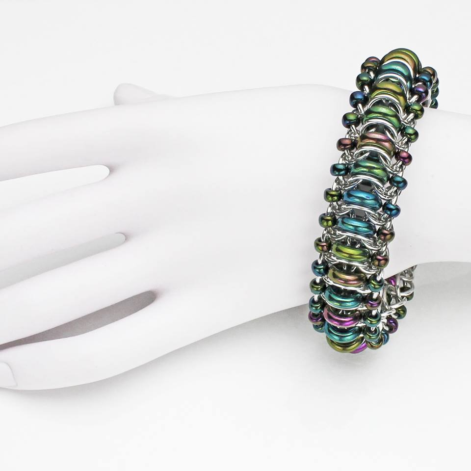 glass-caterpillar-chainmaille