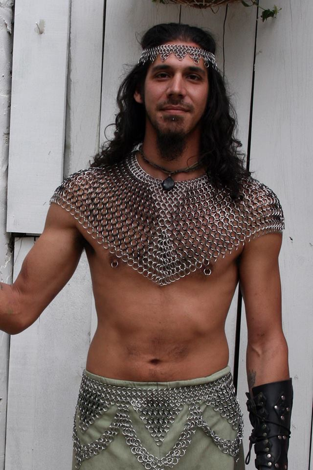 man-chainmaille-collar