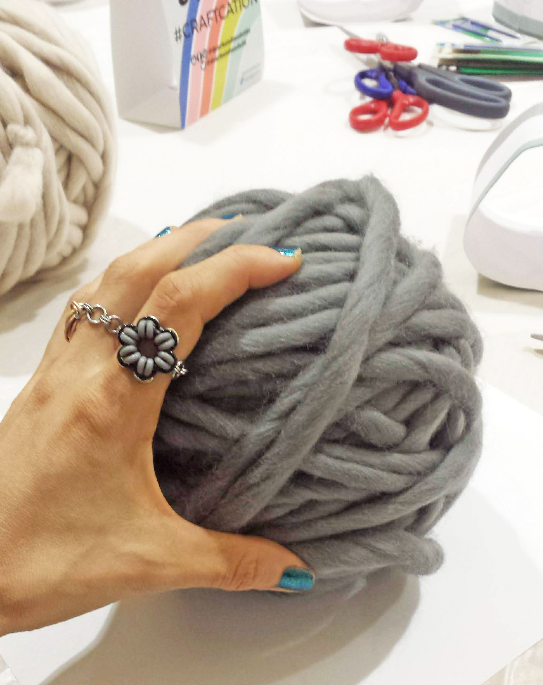 chunky ball of grey yarn