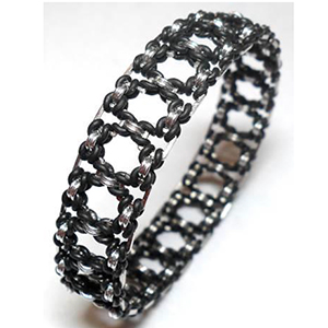 http://www.bluebuddhaboutique.com/images/products/kits/hyperlynks/KIT-HL-CUBIC-BLK-300px.jpg