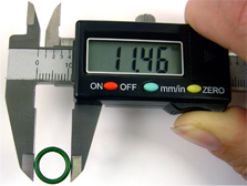 Measure Chain Mail Jump Rings diameter with calipers and calculate aspect ratio