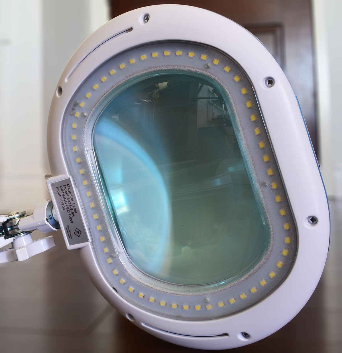 led lights on brightech magnifier lamp