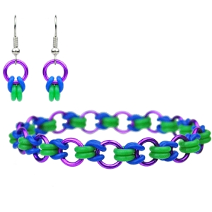 Bisected Byzantine rubbermaille bracelet in purple, blue and green